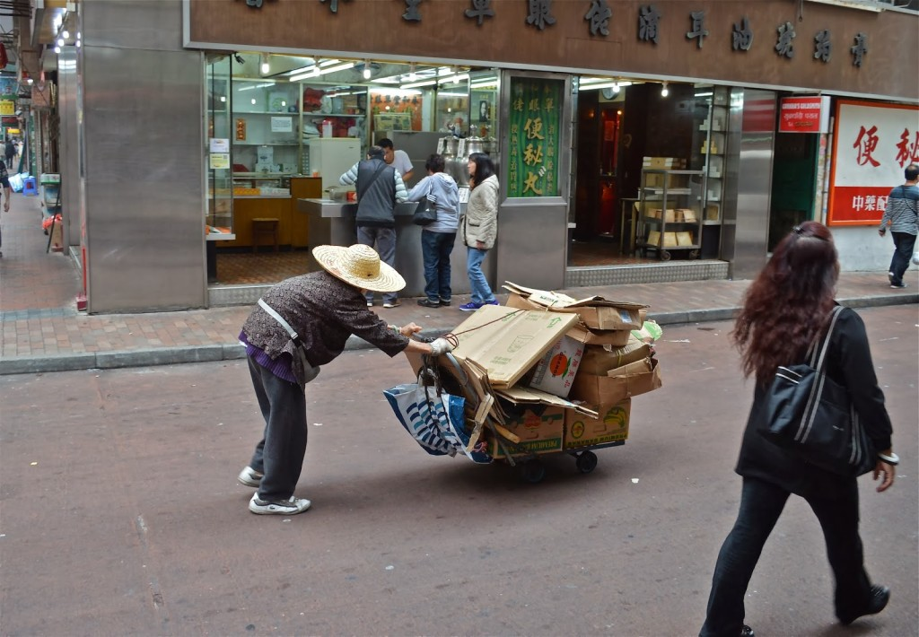 old-ladies-pushing-recyclables-in-hong-kong