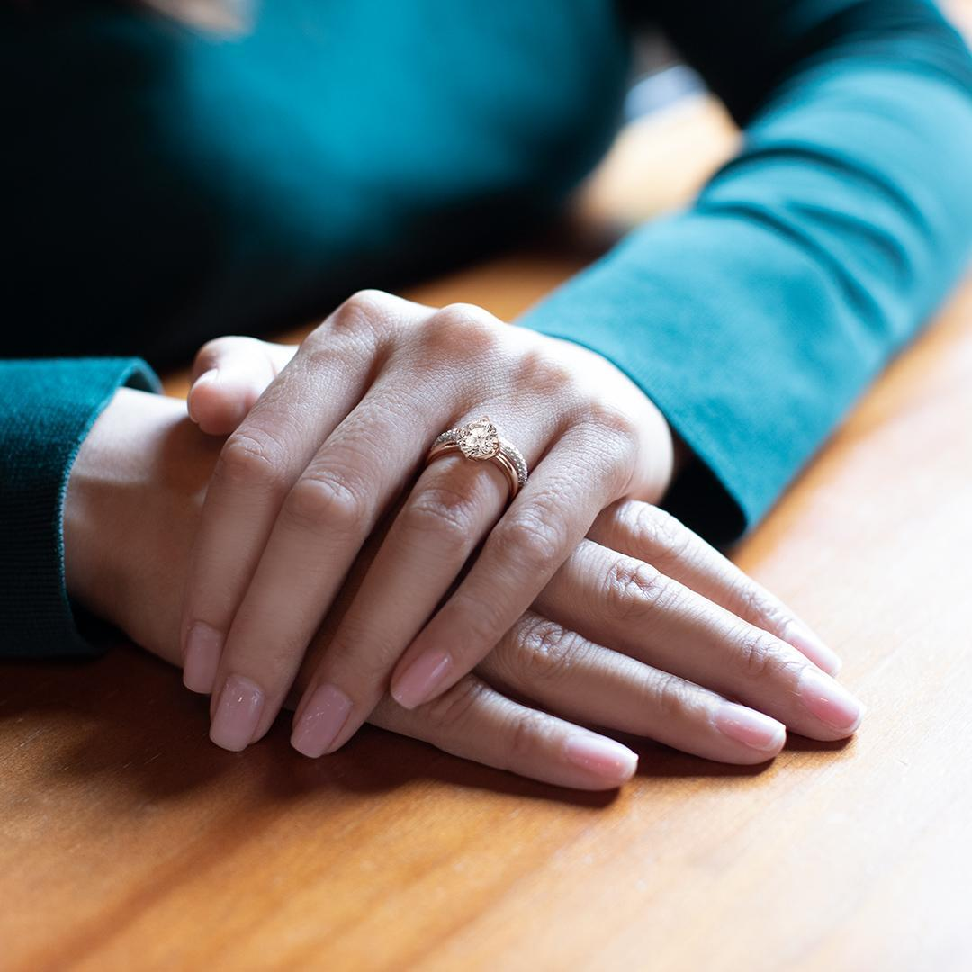 jewellery-ring-on-finger