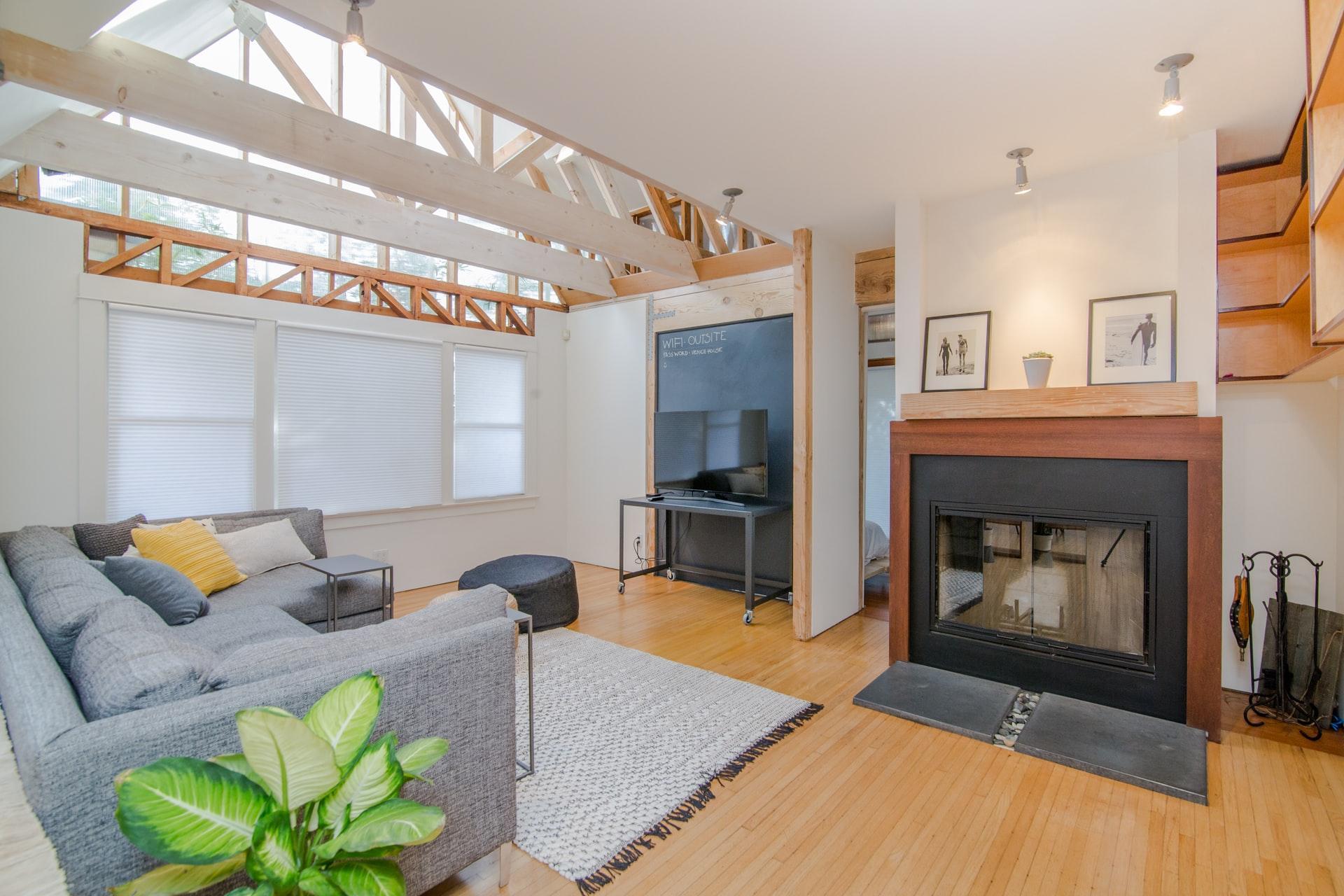 furnished-living-room-with-HK-furniture