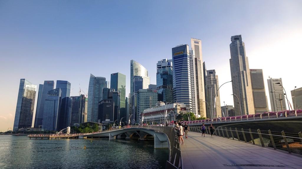 不少分析師均認為,新加坡樓價已見底,投資者若於現時入市,有望捉緊當地樓價觸底反彈的機會。圖片來源:Pixabay/cegoh。
