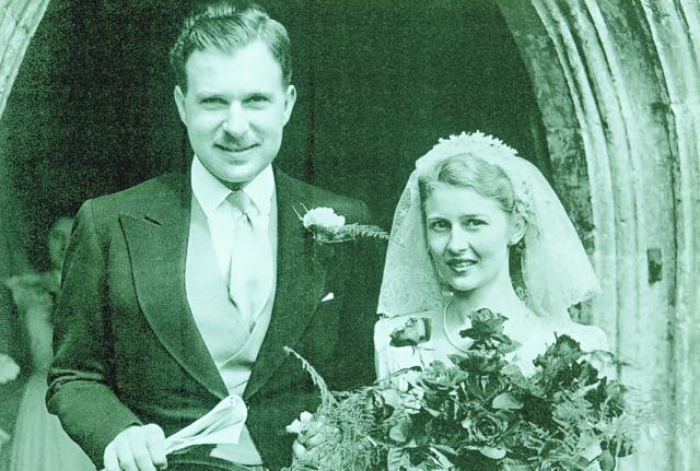 會德豐前主席 John Marden 和妻子 Anne Marden